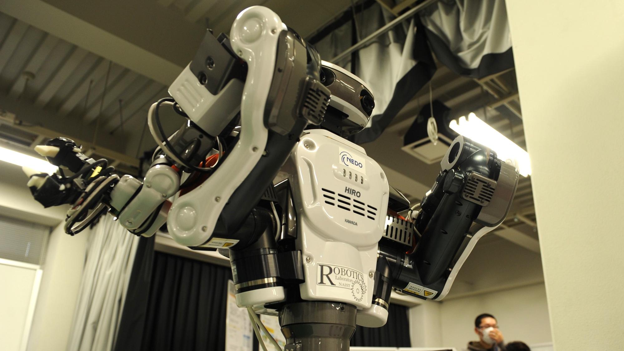川田工業株式会社のロボットHIRO。ロボティクス研究室にて撮影。